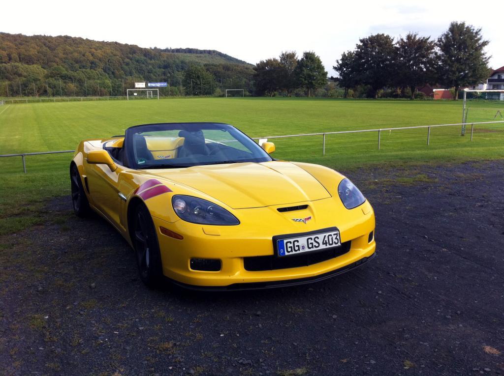 Parkt man den Grand Sport auf einem öffentlich zugänglichen Platz, ist das Auto sofort Basis für Fachgespräche.