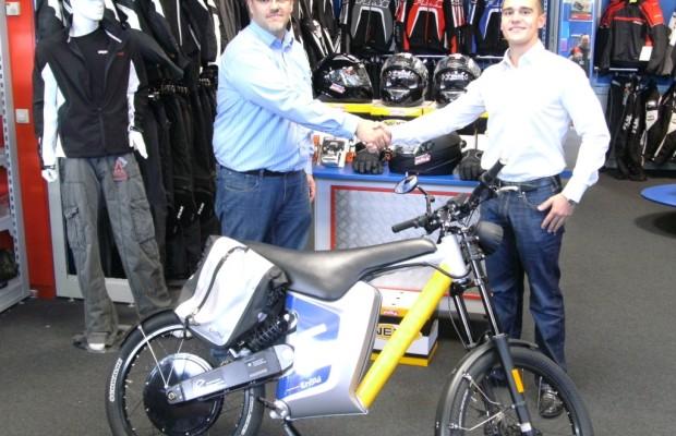 Polo unterstützt Pilotprojekt zur E-Mobilität