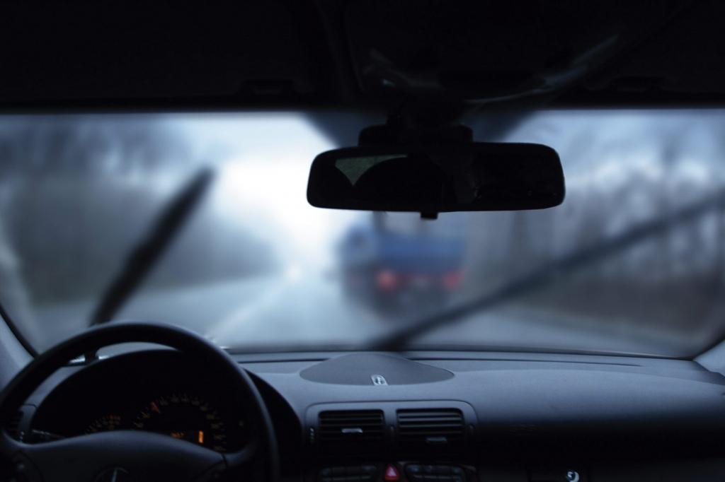 Ratgeber: Autofahren im Herbst - Sicher durch den Nebel