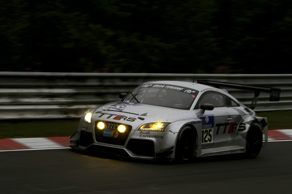 Rennversion des Audi TT RS ab sofort bestellbar
