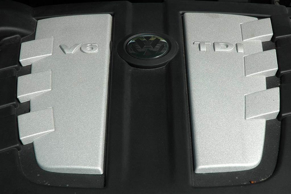 VW Phaeton: Blick unter die Haube auf den 3,0-Liter-Selbstzünder.