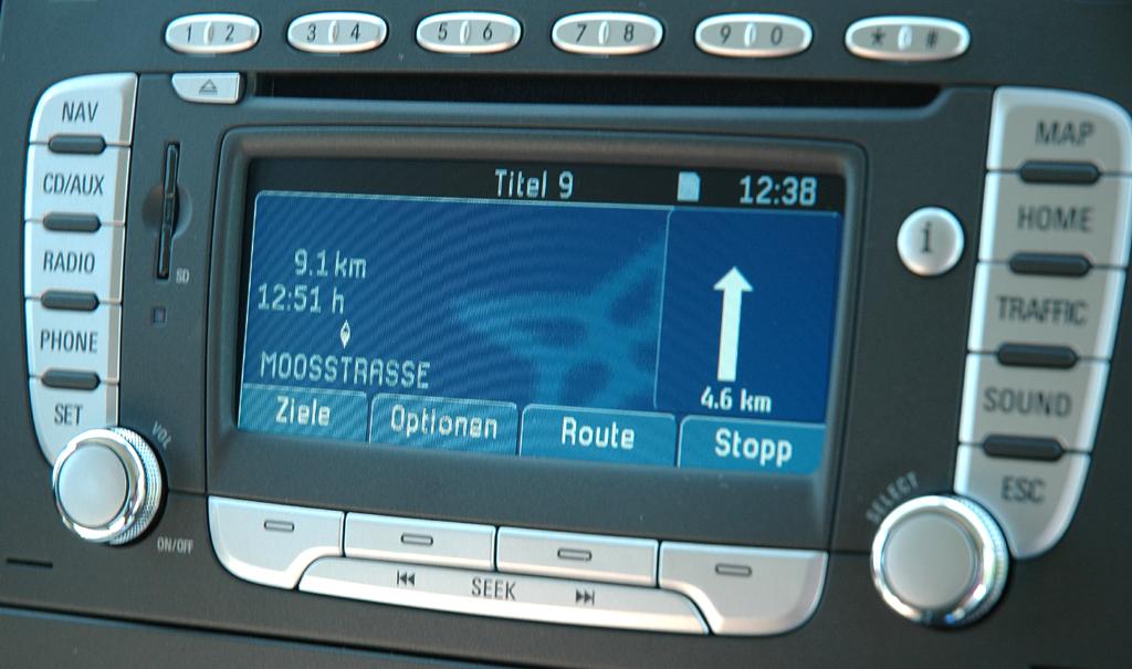 Wie im Pkw: Ford-Transit-Transporter mit moderner Navigation.
