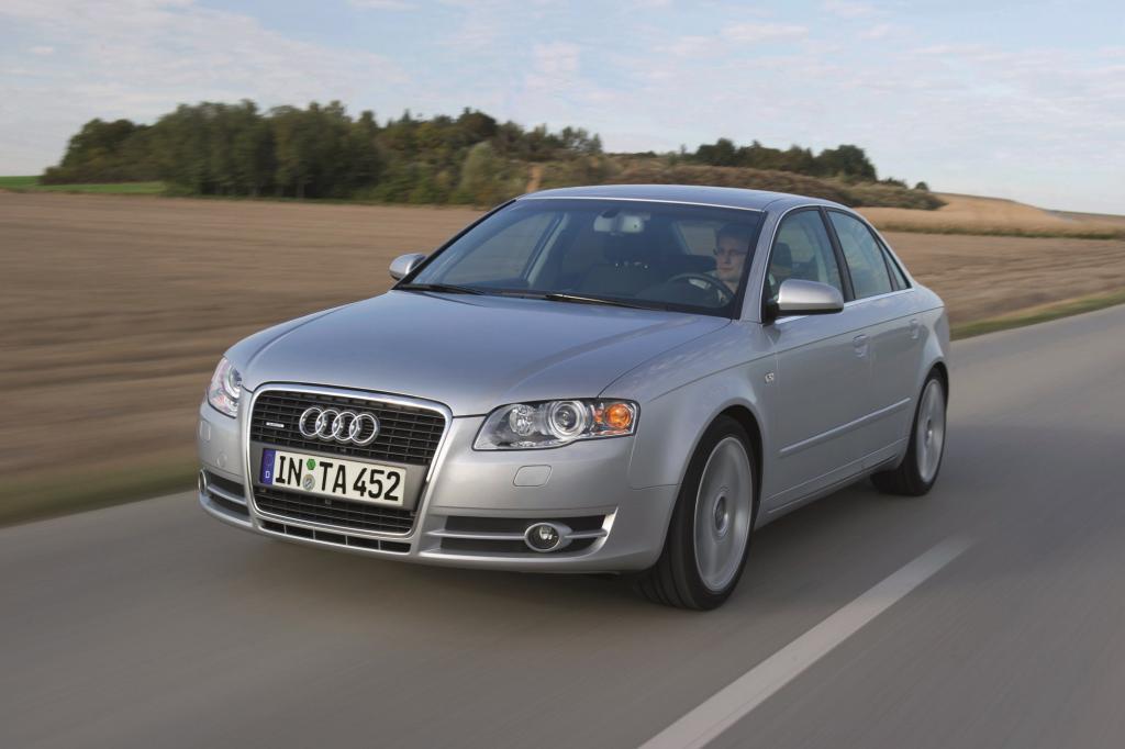 2004 folgte ein umfangreiches Facelift mit zahlreichen optischen technischen Änderungen - Audi selbst spricht daher von einer ne