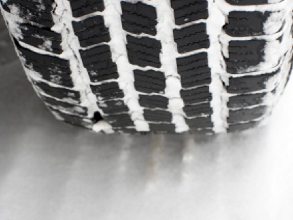 Allradantrieb hilft nicht beim Bremsen auf Schnee