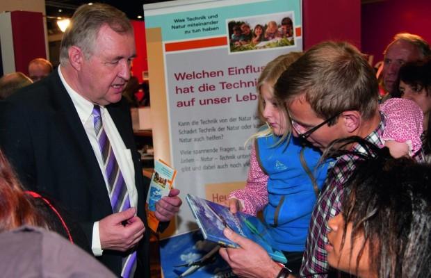 Audi-Umweltstiftung veröffentlicht Jugendbuch für Nachwuchsforscher