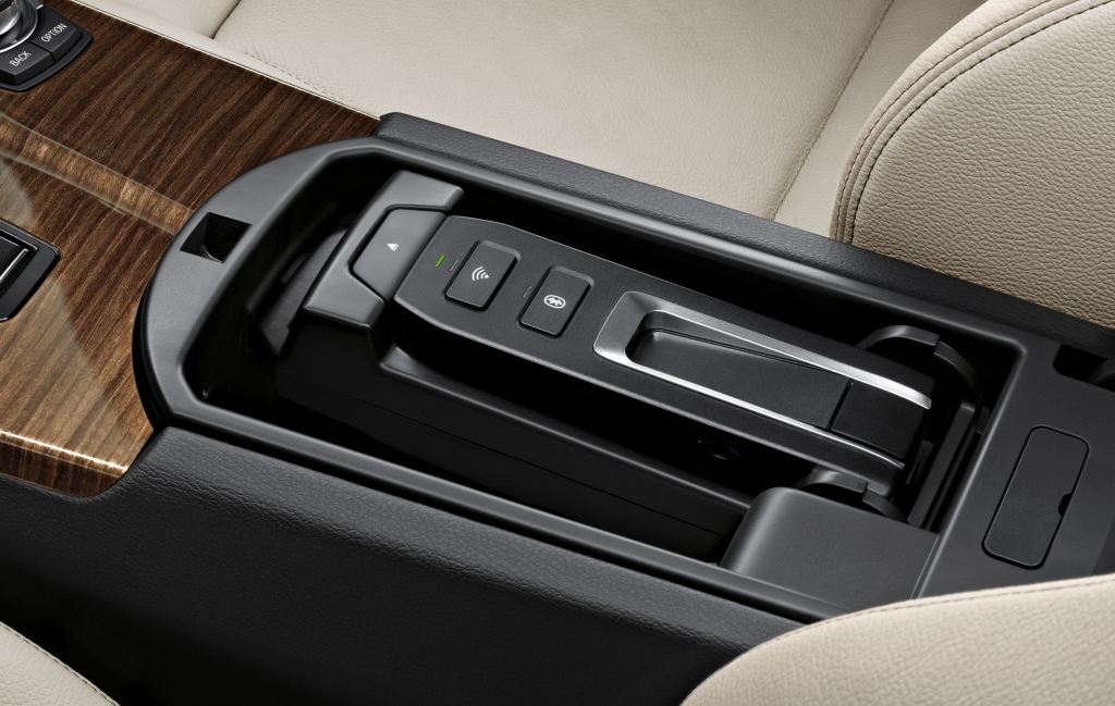 BMW ConnectedDrive: Connectivity Zubehör - WLAN-Hotspot
