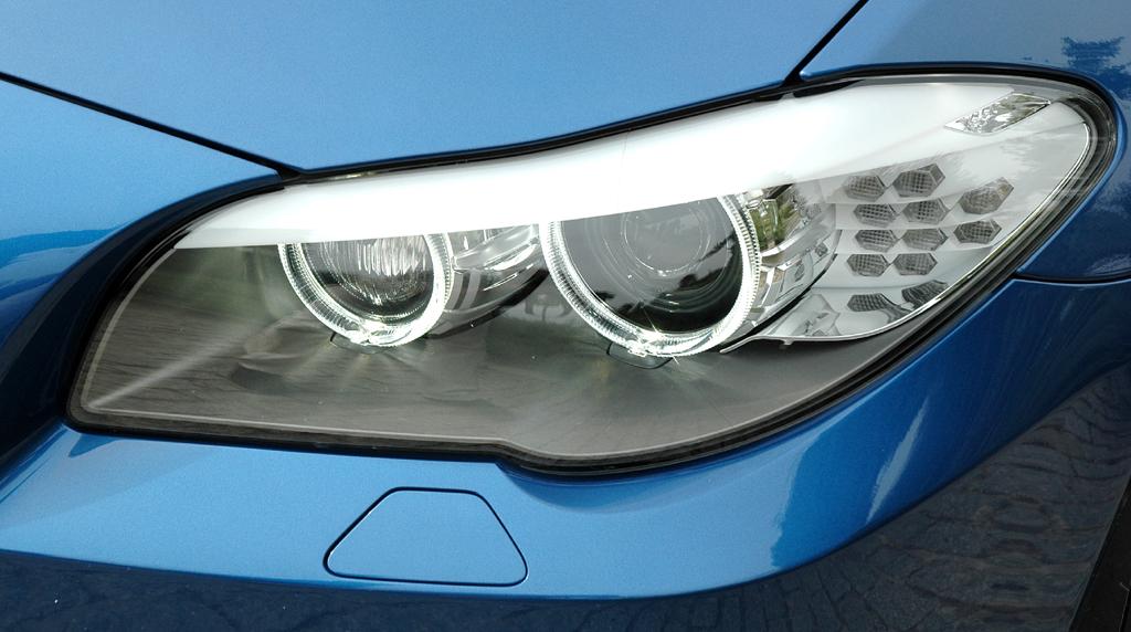 BMW M5: Moderne Leuchteinheit vorn.