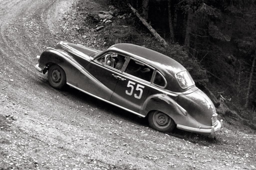 Bei der Alpenfahrt in Österreich 1955