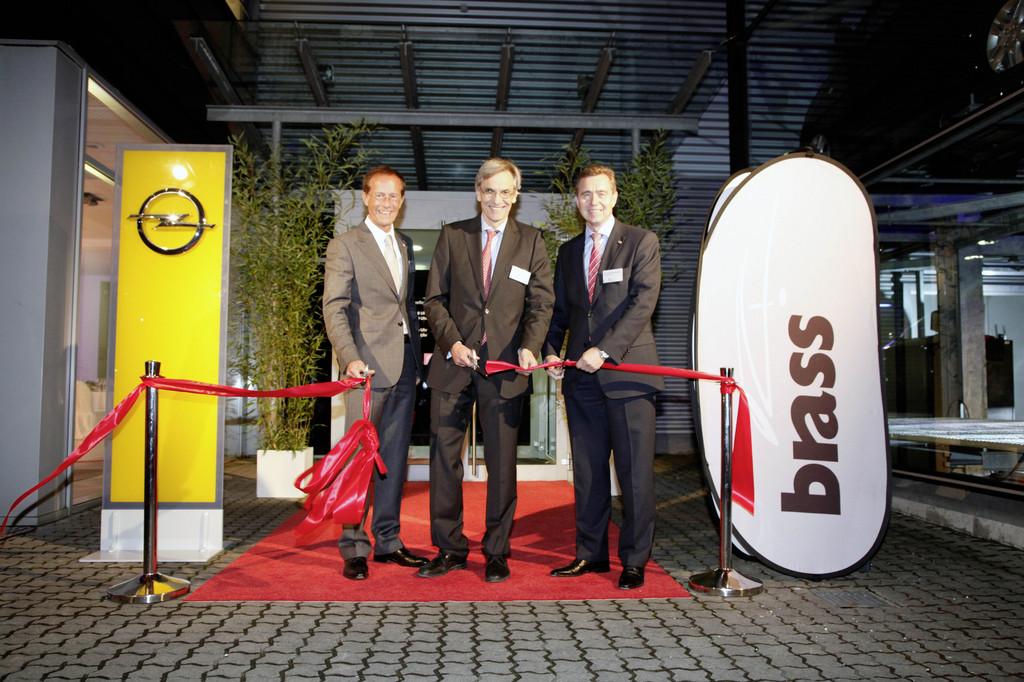 brass eröffnet opel-autohaus in frankfurt - magazin