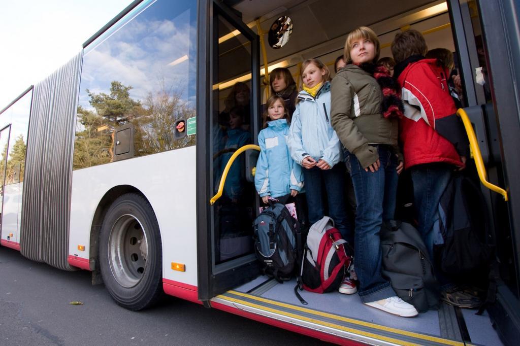 Bus und Bahn - Häufiges Fahren stärkt das Immunsystem
