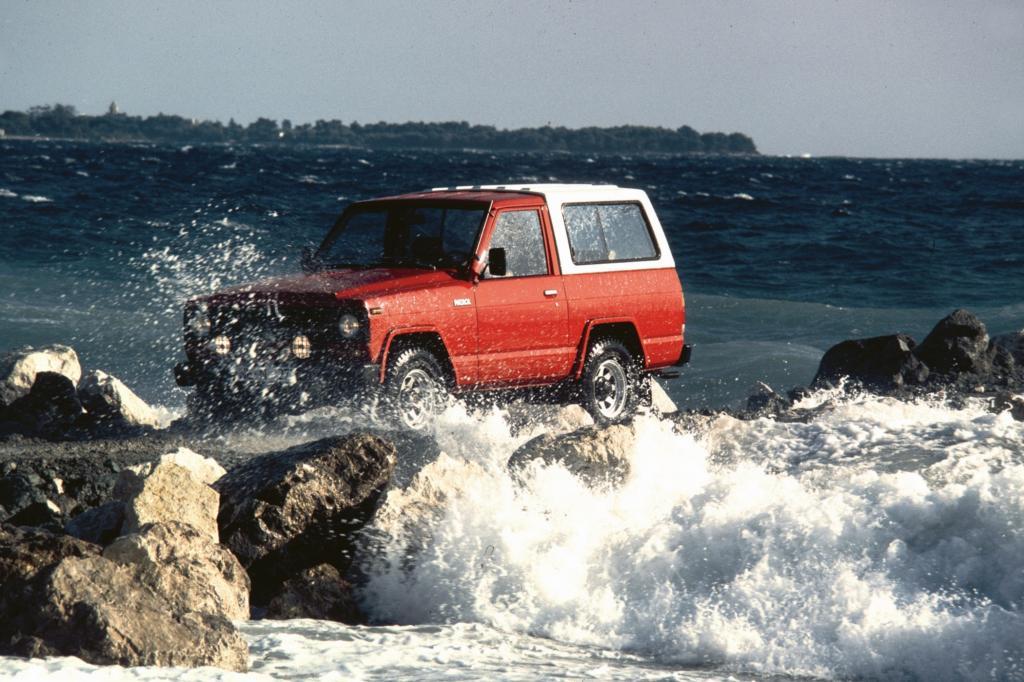 Der Nissan Patrol bei der Flussdurchfahrt