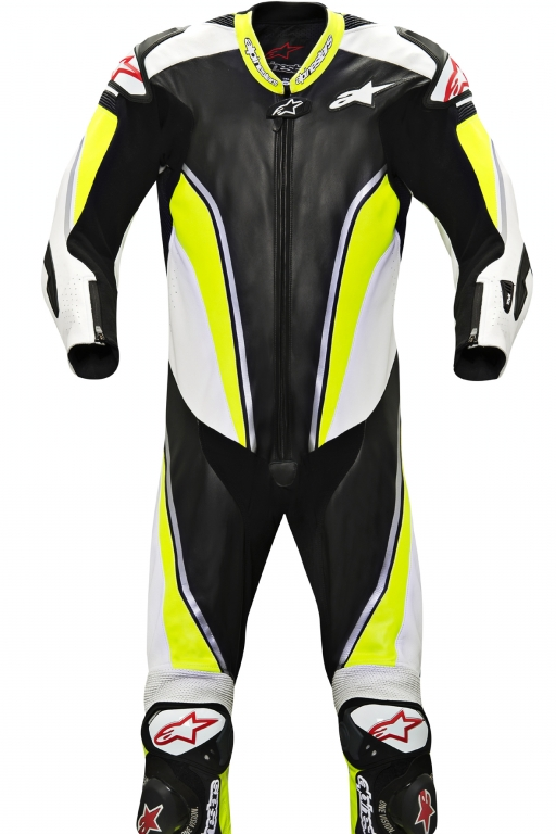 Die Motorradfahrer-Kombi mit Airbag ist in verschiedenen Farbkombinationen erhältlich.