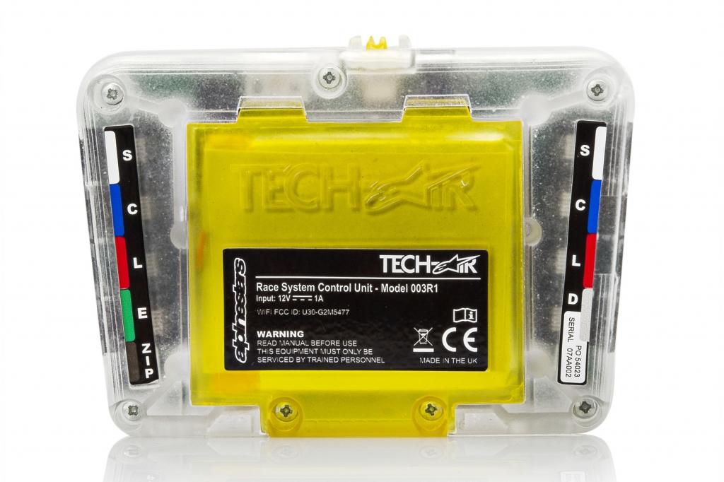 Die Stromversorgung für das Steuergerät der Airbag-Kombi liefert ein Akku mit acht Stunden Betriebszeit.