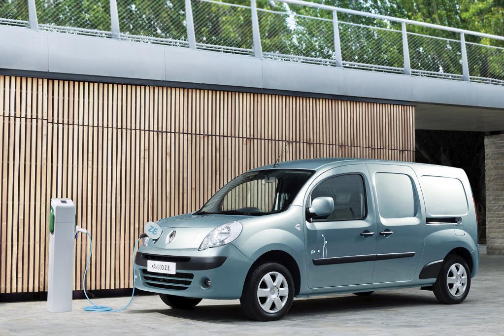 Die batterieelektrische Version seines Transporters Kangoo bringt Renault jetzt an den Start.
