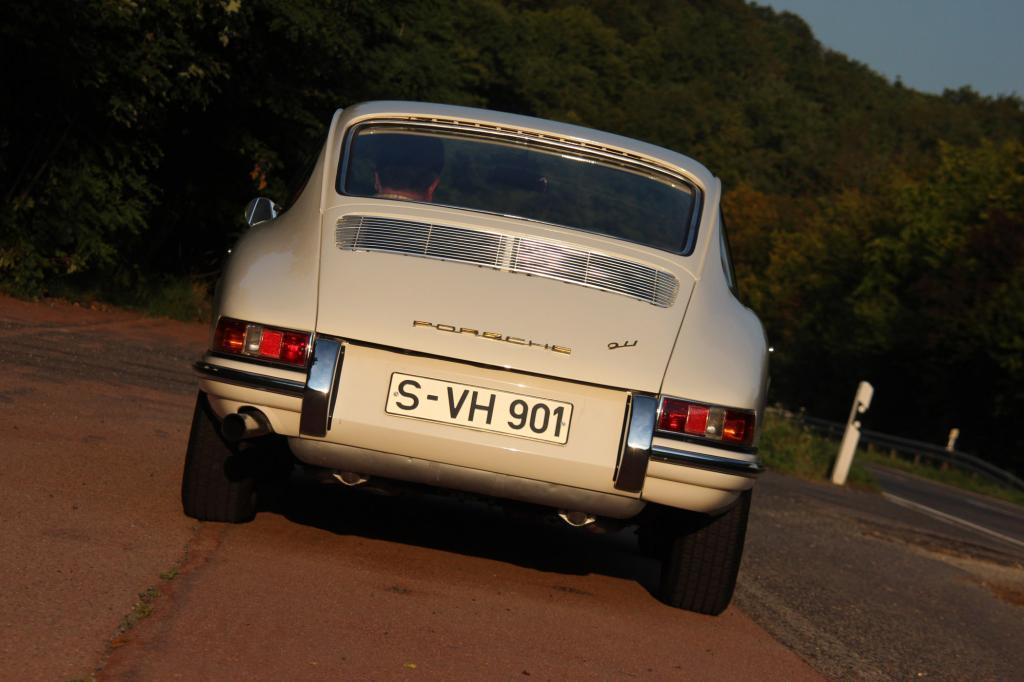 Die scheinbar für die Ewigkeit ins Blech geschnittene Silhouette ist aus der Feder von Ferdinand Alexander Porsche