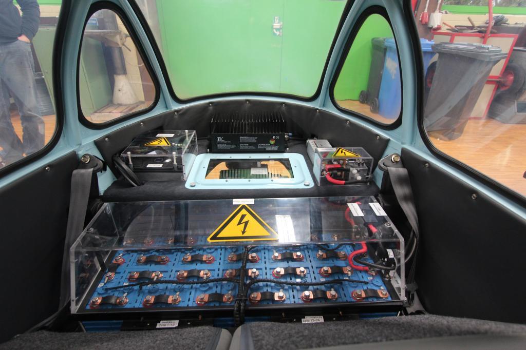 Dort wo früher mal ein Einzylinder mit 200 Kubikzentimetern Hubraum knatterte, surrt jetzt ein handlicher Elektromotor