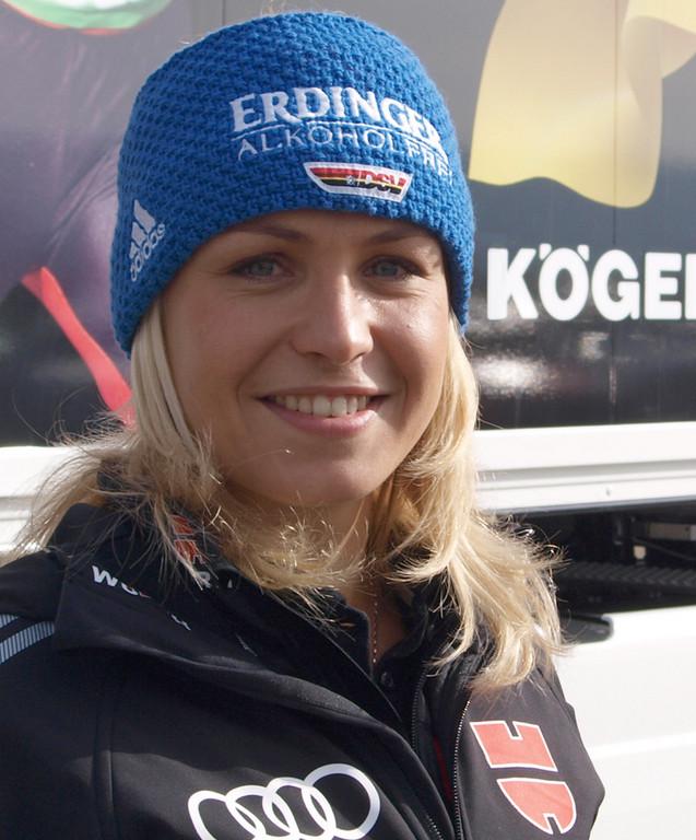 Ein ganzer Sattelzug für die Techniker des Biathlon-Teams: Magdalena Neuner.