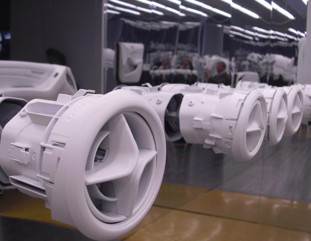 Exponate für Mercedes-B-Klassen-Lüftungsdüsen.