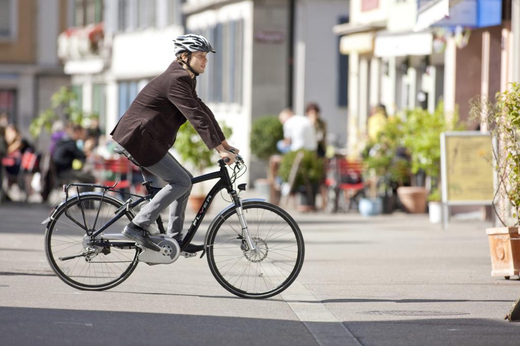 Fahrradfahrer tragen seltener Schutzhelme
