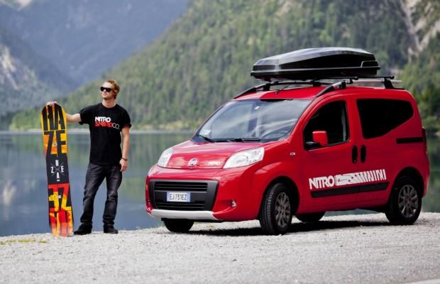 Fiat Qubo mit Snowboard-Zubehör