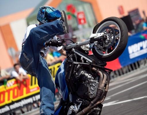 Fighterama 2011: Stuntshow, Dragster & Bournout-Contest zur Motorrad Sport & Tuning Messe