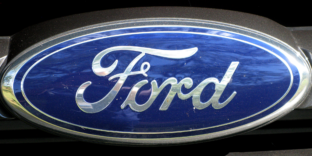 Ford Ranger: Das Markenlogo sitzt vorn im Kühlergrill.