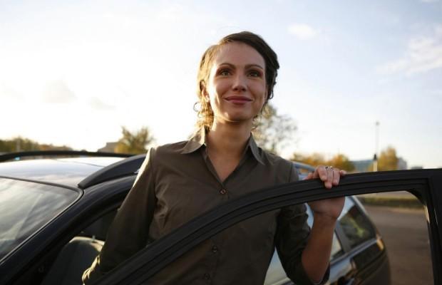 Frauen und Jugendliche sind Sonnenscheinfahrer