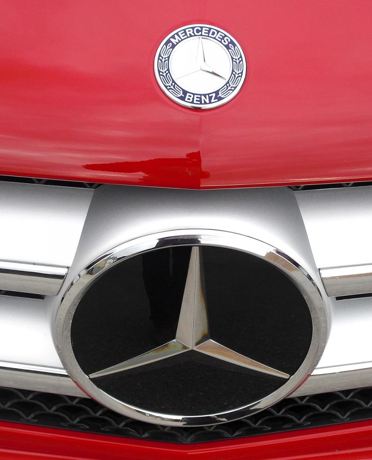 Mercedes B-Klasse: Der große Markenstern sitzt vorn mittig im Kühlergrill.