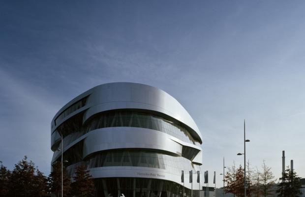 Mercedes-Benz-Museum lädt Menschen mit Behinderung ein