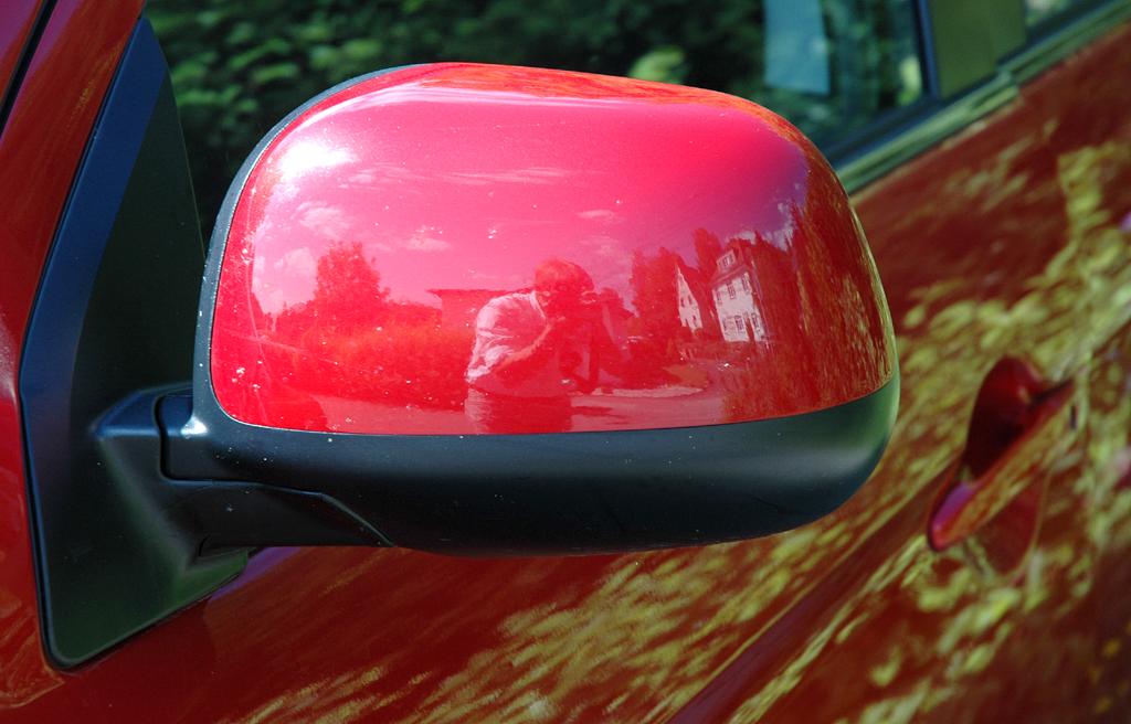 Mitsubishi ASX: Die Außenspiegel sind nach unten schwarz abgesetzt.