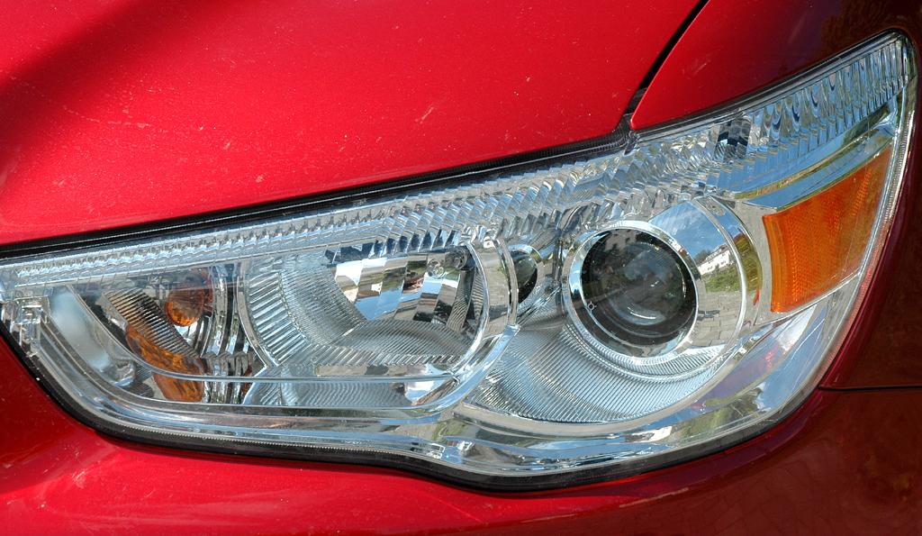 Mitsubishi ASX: Moderne Leuchteinheit vorn.