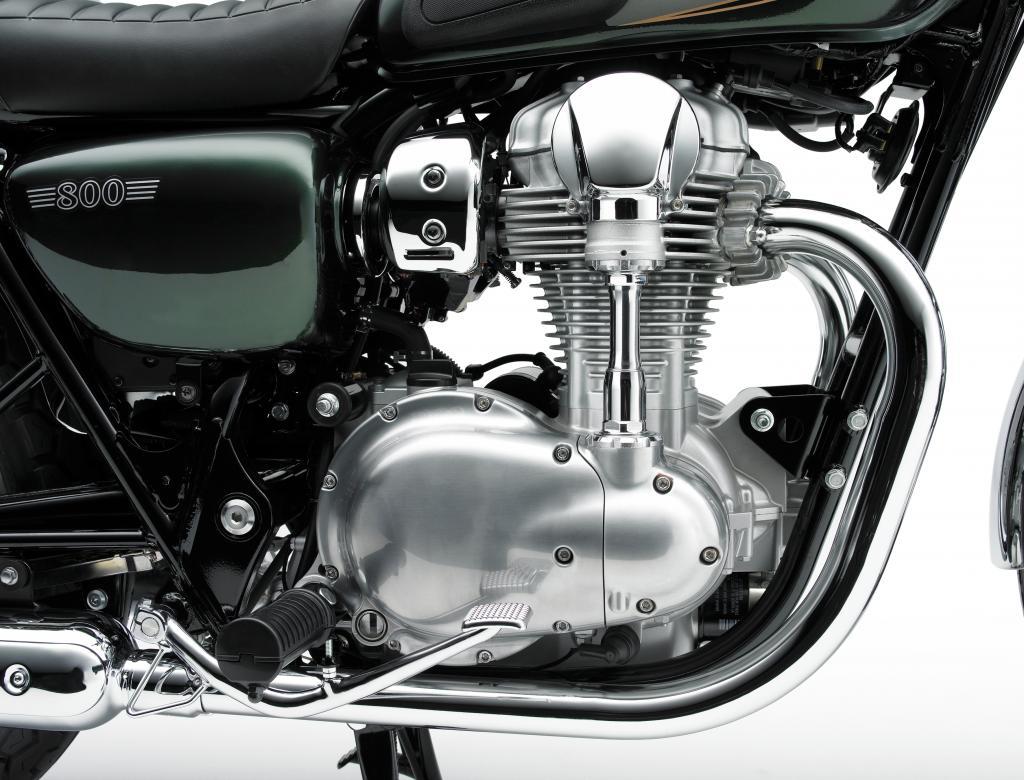 Motor der Kawasaki W800: zwei Zylinder, Ventilbetätigung über aufwendige Königswelle.