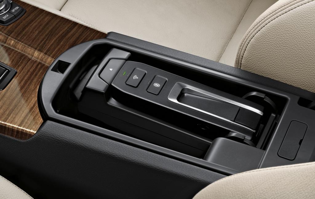Neues BMW-Zubehör integriert iPhone und iPad