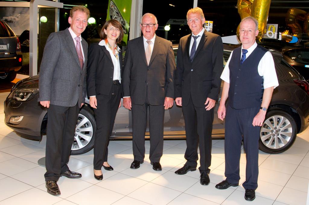 Opel-Autohaus-Nienhaus feiert 50. Geburtstag
