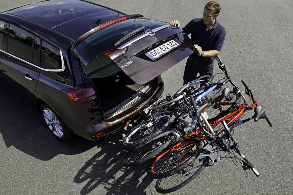 Opel Zafira Tourer mit Flexfix-Fahrradträger.
