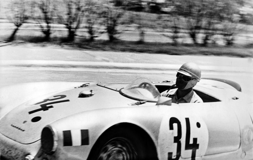 Porsche Typ 550 Spyder in Buenos Aires (1000 km) 1954, Person Jaroslav Juhan, Sieger der Sportwagenklasse bis 1500 ccm, 9. Platz im Gesamtklassement.