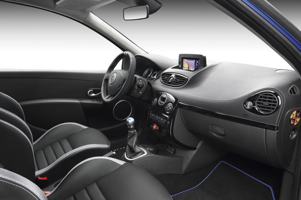 Renault Clio Gordini.