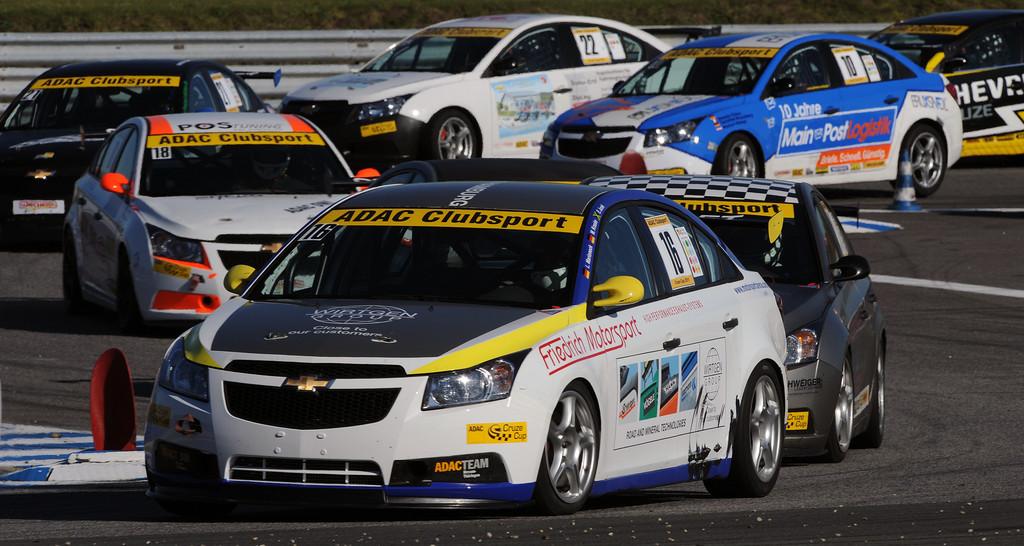 Team Motorsport-Arena gewinnt ADAC-Cruze-Cup