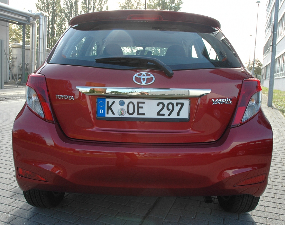 Toyota Yaris: Blick auf die Heckpartie des in Frankreich gebauten Japan-Minis.