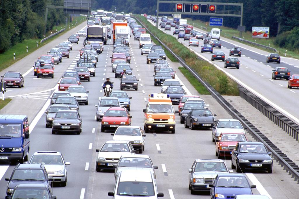 Verkehrs-Studie - Motorrad- statt Autofahren löst Stauproblem