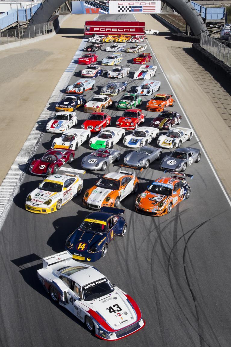 Versammelte Porsche-Rennwagenschätze bei der Porsche Reunion in Laguna Seca.