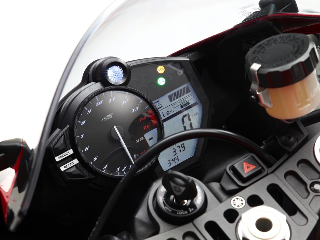 Yamaha YZF-R1 2012: Vorzeigesportler im Detail verfeinert