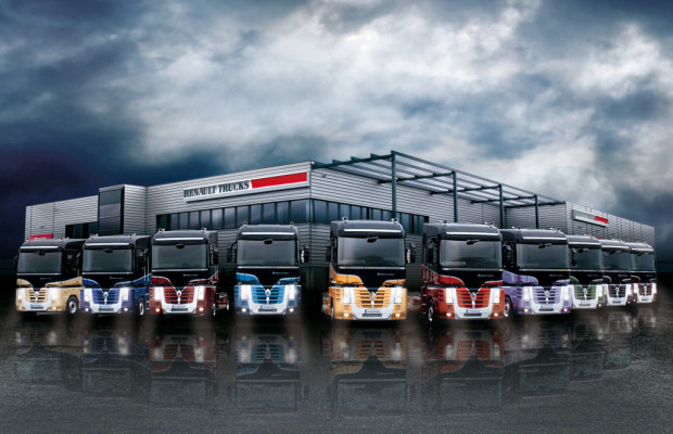 Zehn Renault Magnum im Designer-