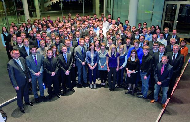 184 Absolventen des Dualen Studiums bei Volkswagen