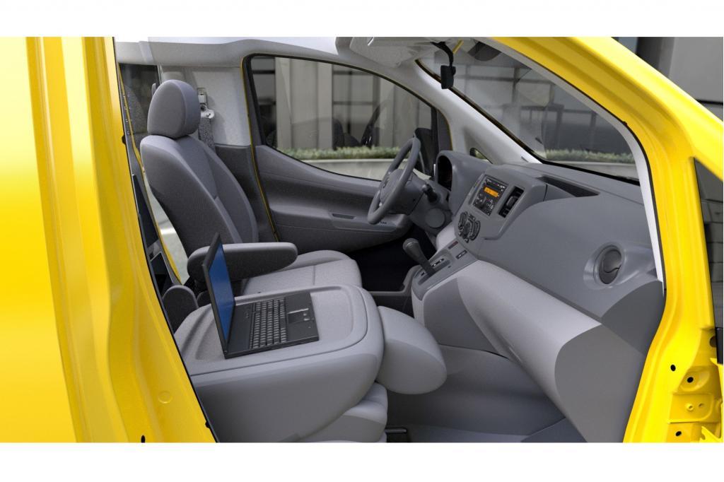 Als Antrieb dient ein 2,0-Liter-Vierzylinder-Benziner, der deutlich sparsamer ist als die V6- oder V8-Motoren der meisten derzei