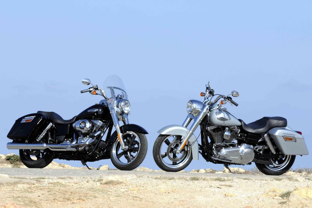 Am Ziel angekommen lässt sich die in Vivid Black, Brilliant Silver Pearl und Ember Red Sunglo erhältliche Harley dann mit wenigen Handgriffen zum Sun'n'Shine-Bike um-