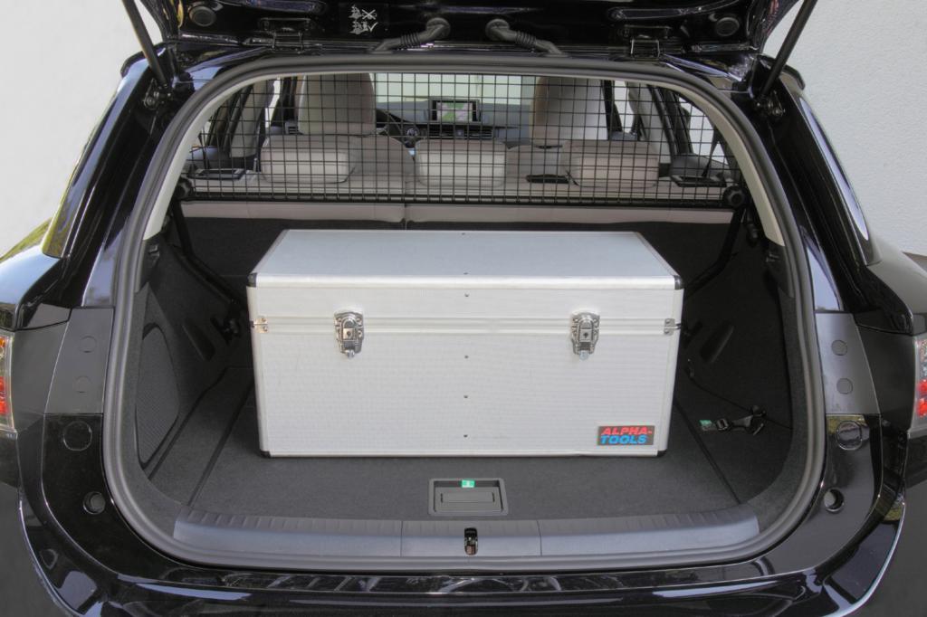 Aufgrund der Hybridbatterie ist der Kofferraum vergleichsweise klein