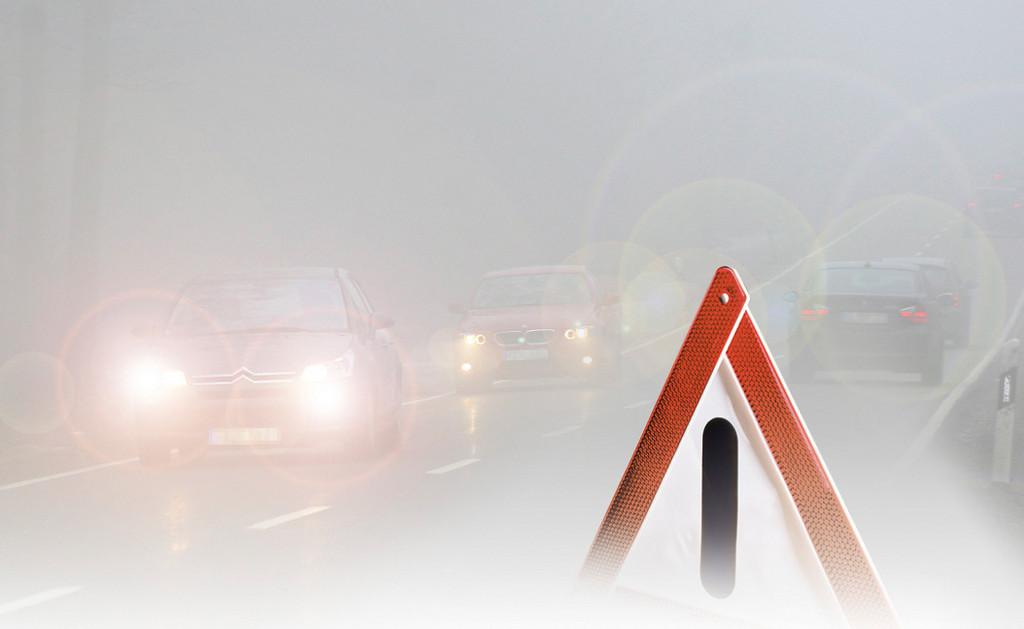 Autofahren im Nebel.