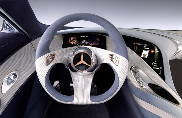 Beispiel Mercedes: Jederzeit vernetzt und immer mehr Apps im Auto