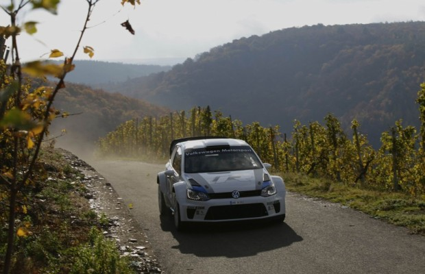 Carlos Sainz testet den Volkswagen Polo R WRC